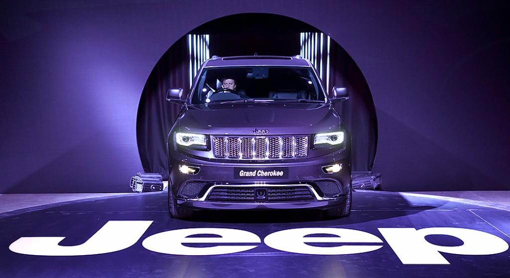 new grand jeep cherokee in purple colour