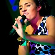 laura white performing x factor