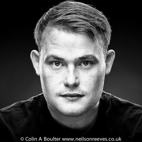 actors headshot mike coombes